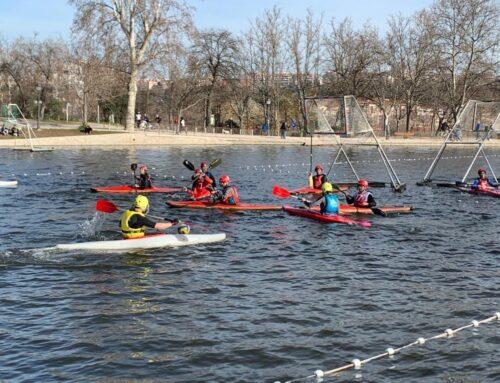 Partido de Kayak polo contra estudiantes del INEF